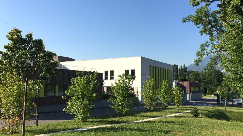 Pôles d'hospitalisation de psychiatrie (268 lits) et gymnase au Centre Hospitalier Alpes-Isère à Saint-Egrève