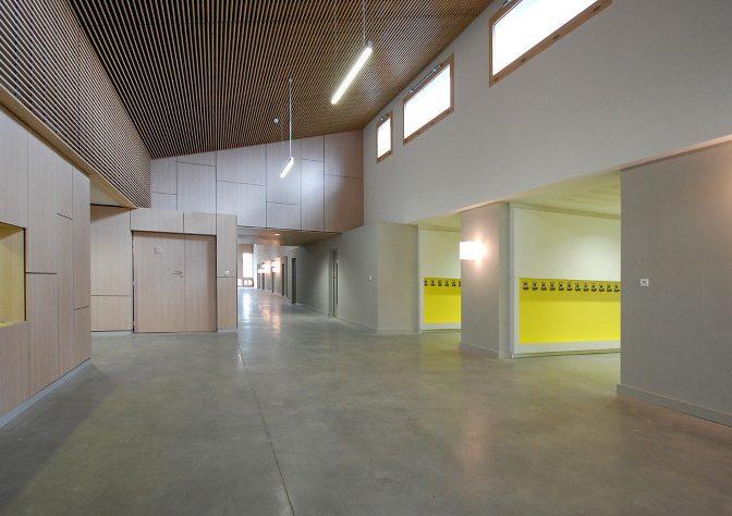 """Construction de l'école maternelle """"Charles Perraud"""" à Chavagneux"""
