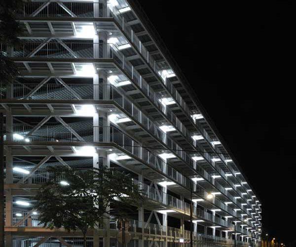 CONSTRUCTION DU PARKING DES MACHINES SUR L'ILE DE NANTES
