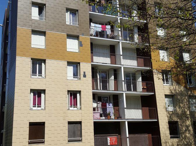 Désamiantage et démolition de la Tour Violettes quartier des Fleurs à Moirans