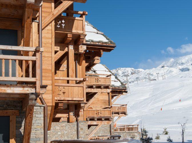 Construction de deux ensembles de chalets de Luxe EDEN BLANC à L' Alpes D' Huez